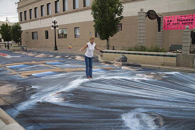 3d-chalk-art-waterfall-parking-lot-angle-edgar-mueller
